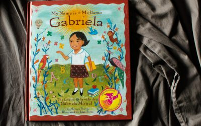 ELLApicks: Our Favorite Bilingual Books!